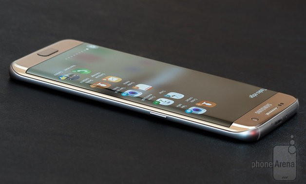 Samsung подготвува конкурент на Siri со Galaxy S8?