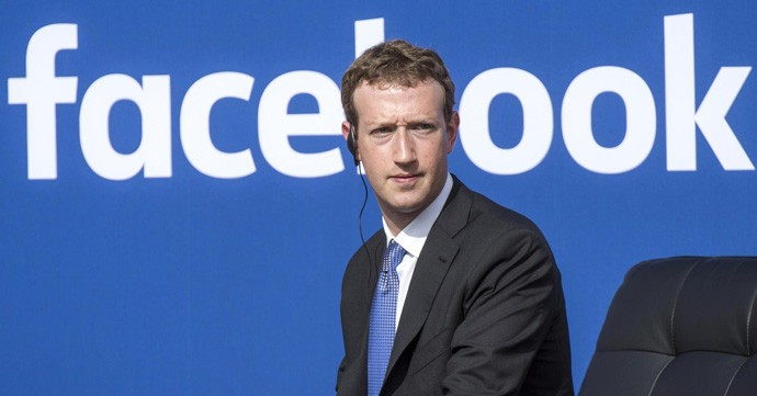Марк Закерберг ве спасува од рекламите на Facebook