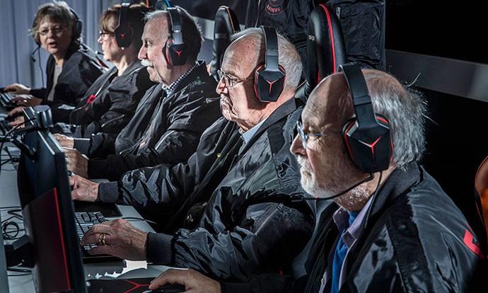Тим составен од пензионери доминира во Counter Strike