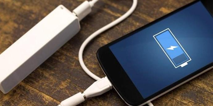Пет можни причини зошто вашиот смартфон се полни бавно