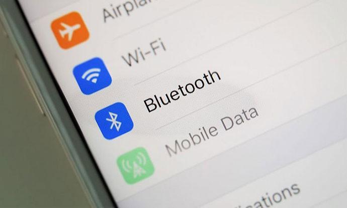 Што прави вашиот iPhone кога е вклучен Bluetooth