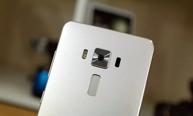 Asus Zenfone 4 Pro  6GB RAM и Snapdragon 835