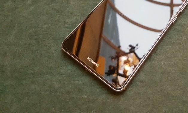 Први фотографии од Huawei Mate 10